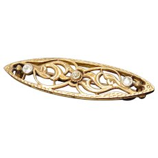 Art Deco 10K Yellow Gold Diamond Filigree Floral Brooch