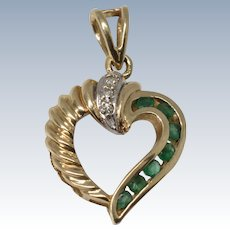 Charming Vintage 14K Yellow Gold Diamond & Emerald Heart Pendant