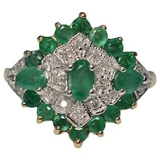 Gorgeous Vintage 14K Yellow Gold Diamond & Emerald Cluster Ring