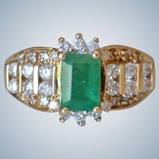 Stunning 14K Yellow Gold 0.9Ct Emerald and Diamond Frame Ring