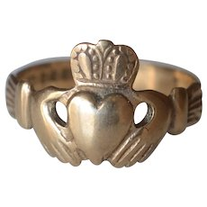 Vintage 9K Yellow Gold Irish Claddagh Ring