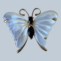 14K Yellow Gold Mother of Pearl Butterfly Brooch/Pendant