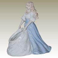 Beautiful Girl Figurine House of Lloyd