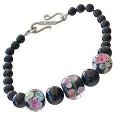 Bracelet Art Glass Beads Black and Pink