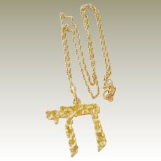 Necklace Hebrew Chai Pendant 18k Gold 9 Grams