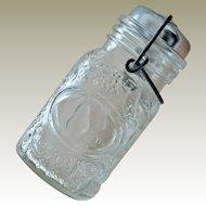 Wheaton Glass Shaker Jar Container