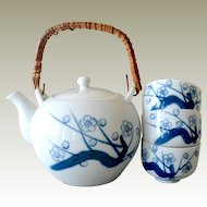 Tea Pot Blue and White with Three Handleless Cups Teapot