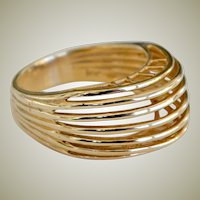 Ring 14k Yellow Gold Sleek Sophisticated Design 5 Grams Unique