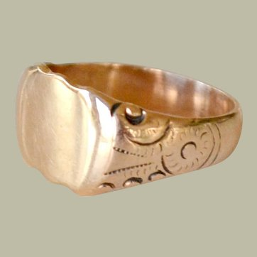 Signet Ring 14k yellow Gold Ready for Monogram 6 Grams Vintage