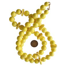 Vintage Large Yellow Bead Necklace 28 Inches