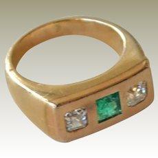 Ring Emerald and Diamonds 14k Yellow Gold