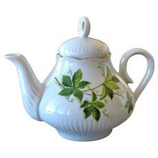 Teapot JL Menau Henneberg German Democratic Republic Leaf Motif