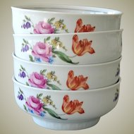 Four Hennenberg Porcelain Bowls