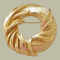 Vintage BSK Pin Brooch Wreath Form with Twining Leaves