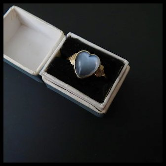 Antique 9CT Heart Shaped Moonstone Ring