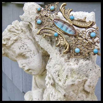 Spectacular and Unusual Saphiret Pin