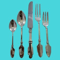Sterling Flatware Dinner service for 12 with Stylized Arrow heads