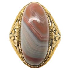14 Karat Gold Oval Genuine Natural Agate Ring with Scrollwork