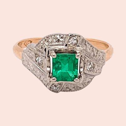 14K Emerald & Diamond Vintage Engraved Ring