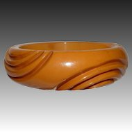 Chunky Deep Carved Butterscotch Bakelite Bangle Bracelet