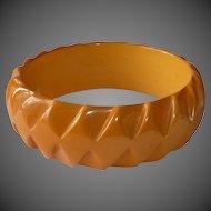 Bakelite Bracelet Carved Optical Diamond