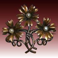 Antique Victorian 14k Three Daisy Bouquet Pin