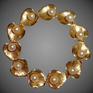 14k YG Circle Pin Sculpted Leaves ~ Cultured Pearls