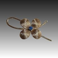 14k YG Flower Pin Sapphire Center