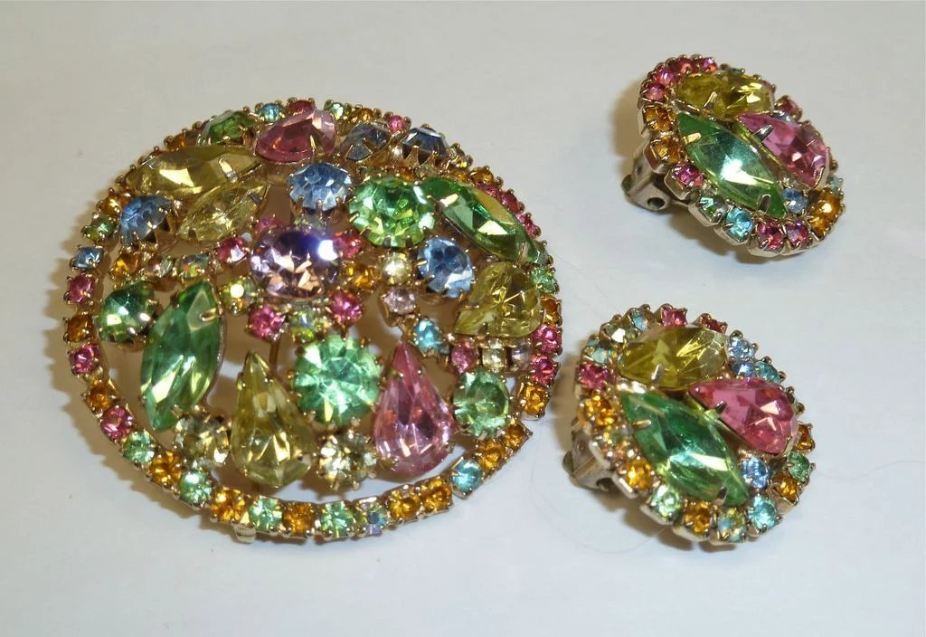 Weiss Vibrant Pastel Rhinestone Pin Amp Earrings Set