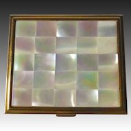 Marhill Luminous Mother of Pearl Compact