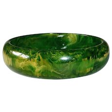 End of the Day Bakelite Green & Yellow Swirl Bangle Bracelet