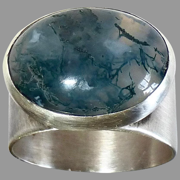 Antique Silver Cabochon Agate Ring