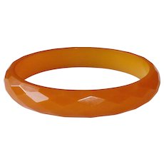 Bakelite Faceted Creamy Butterscotch Bangle Bracelet