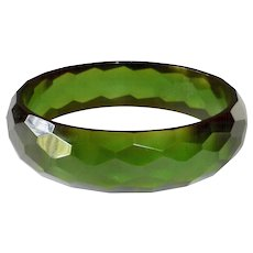 Bakelite Faceted Green Prystal Bangle Bracelet