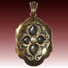 Antique 18k Victorian Locket w Pearl