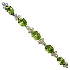 14k Edwardian Peridot & Pearl Bar Pin