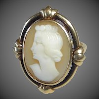 14k Classic Italian Hand Carved Shell Cameo Ring