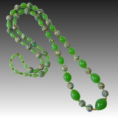 Art Deco Spring Green Murano Art Glass Bead Necklace