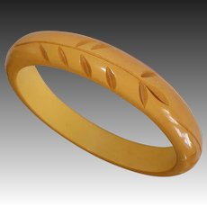 Butterscotch Bakelite Carved Leafy Vine Bangle Bracelet