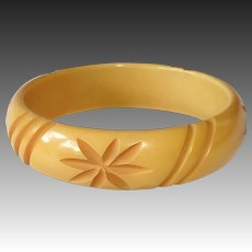 Butterscotch Bakelite Carved Stars & Stripes Bangle Bracelet