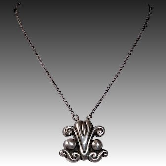 Mexican Sterling Modernist Repousse Pendant Necklace