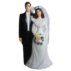 1970s Classic Bride & Groom Wedding Topper