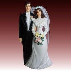 1970s Classic Bride & Groom Wedding Topper