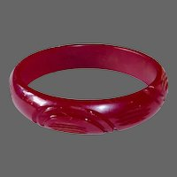 Carved Bakelite Bangle in Cranberry Red