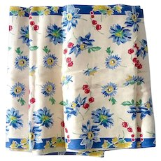 Festive Floral Design Unused 4.5 Yards Vintage Linen Fabric