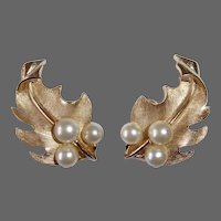 Trifari Sculptural Brushed Gold Leaves Clip Earrings w Faux Pearls