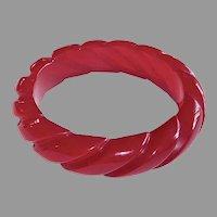 Bakelite Cherry Red Heavily Carved Rope Bangle Bracelet