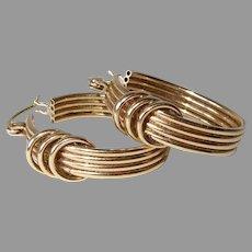 10k Hoop Pierced Earrings w 3 Ring Design