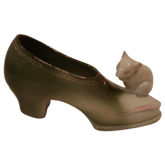 German Porcelain Shoe/ slipper with Mouse