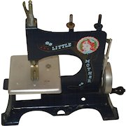 """Vintage Toy Sewing Machine """"Little Mother"""""""